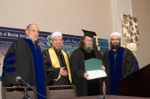 منح الدكتور جمال الدين زارابوزو والدكتور عبد السلام بسيوني الدكتوراة الفخرية